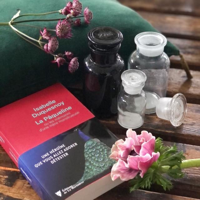 roman d'Isabelle Duquesnoy, La Pâqueline ou les mémoires d'une mère monstrueuse
